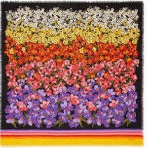 NWT GUCCI Degrade Flowers 100% wool X-large shawl